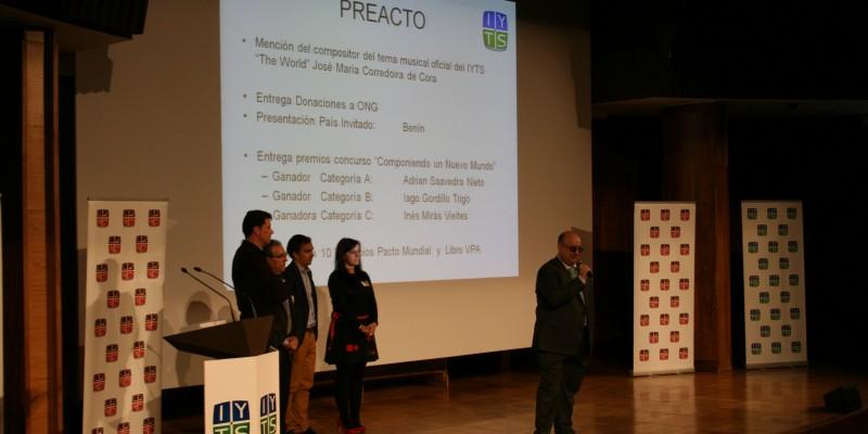 Entrega donaciones ONG en el preacto del IYTS (International Young Talent Seminar)